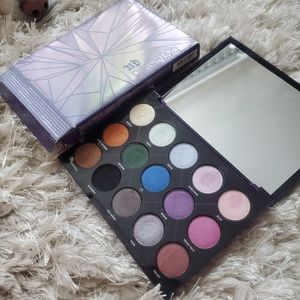 Urban decay decay Distortion palette